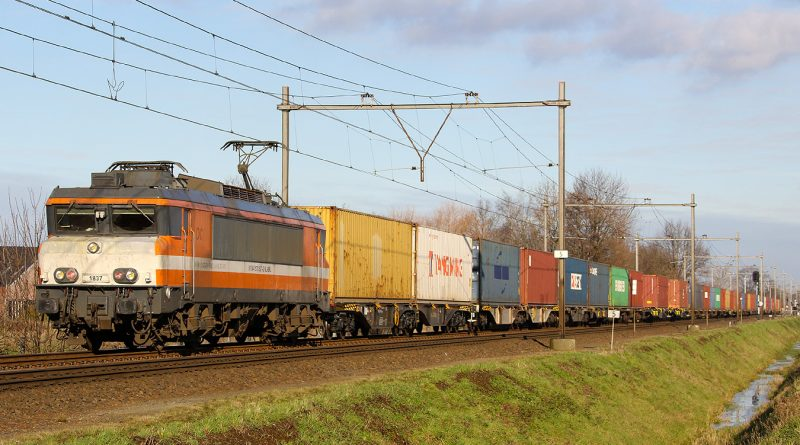 Aansluiting Vught – Railport Brabant.